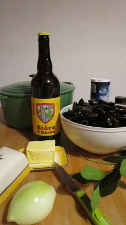 Préparation des moules à la bière de Meaux